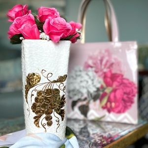 VTG Pebbled Tall White Rectangular Flower Vase EUC